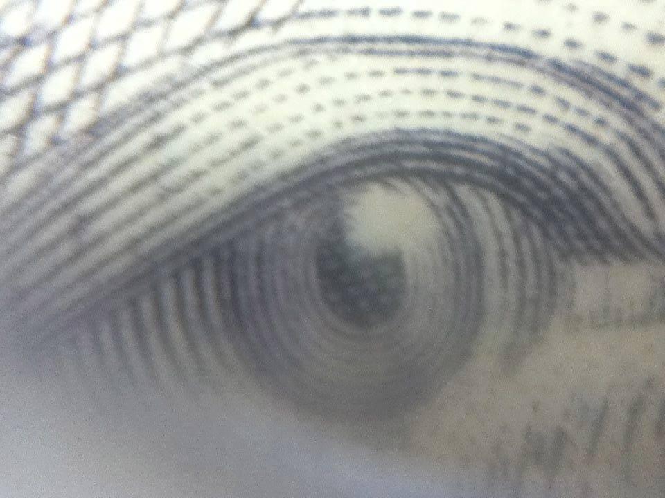 Oeil de John A. Macdonald sur un 10$ - Photo de Cynthia Morin